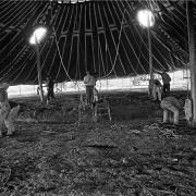 Circo Magnum / Armado de la carpa, Colón, Montevideo, el 4 de julio de 1995.